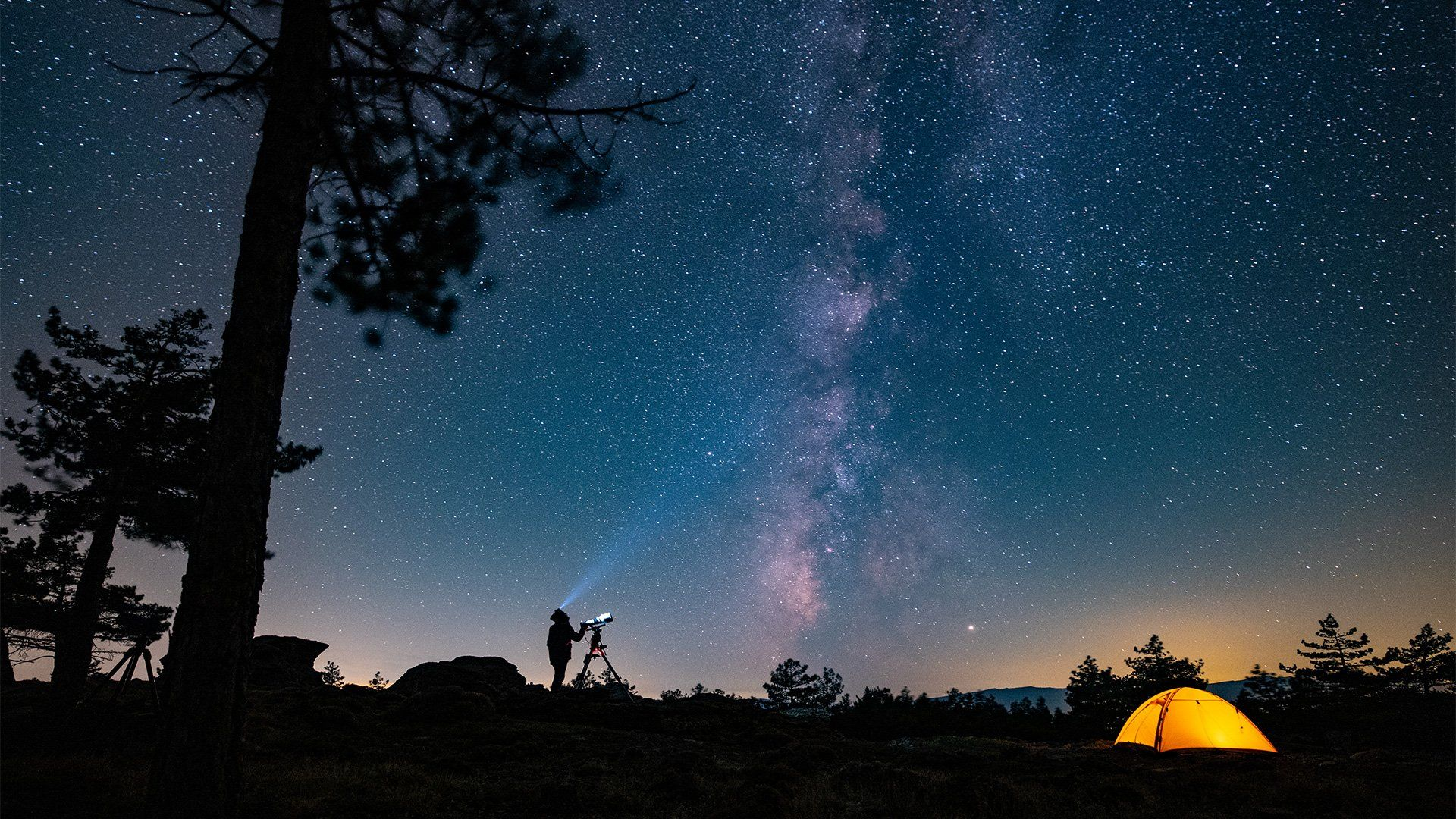 Fergus Kennedy photographs the Milky Way